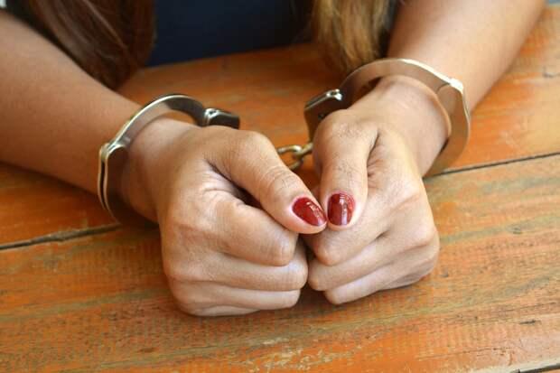 В Тверской области задержали 20-летнюю наркодилершу