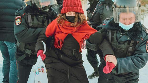 Двоих сотрудников штаба Навального задержали вРостове захулиганство