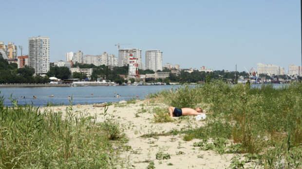 Только три пляжа официально будут работать летом вРостове
