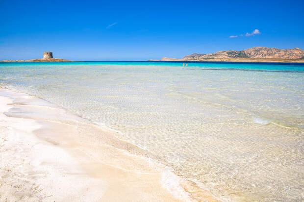 Полицейские вышли на пляжи Сардинии из-за постоянных краж песка