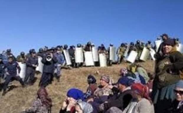 В Дагестане местные попытались взять штурмом отделение «Газпрома»