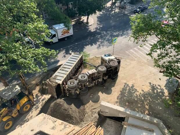 В севастопольских дворах ломаются подрядчики
