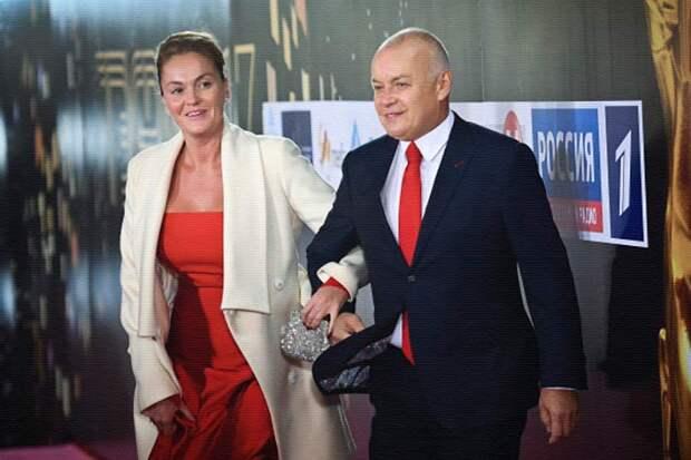 Дмитрий Киселёв с женой