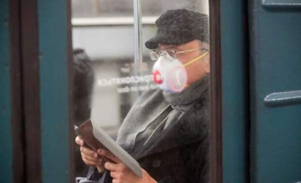 Маски и перчатки будут проверять у пассажиров на всех станциях метро Москвы