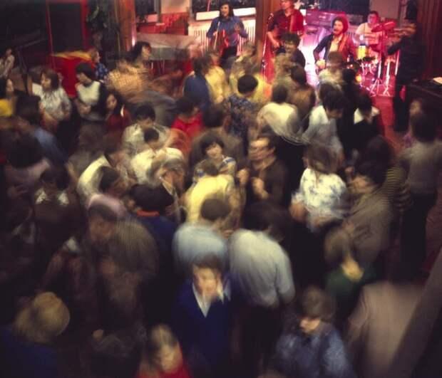 Что происходило насоветских дискотеках?