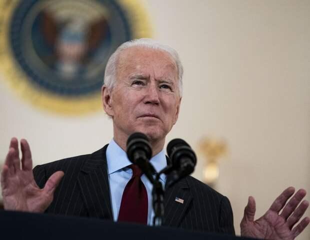 Новый президент США почтил память полумиллиона американцев, умерших от коронавируса