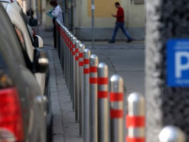 Резидентам центра Москвы просят разрешить круглосуточную бесплатную парковку
