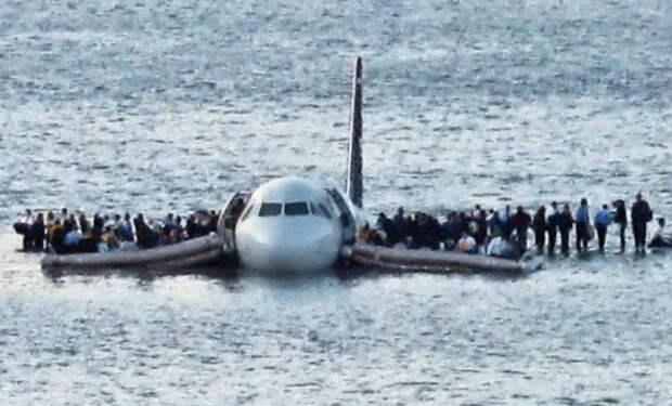 Самые сложные посадки самолетов случайно снятые на камеру: мастерство пилотов