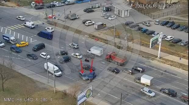 Водителей предупредили о большой пробке в Бирюлево после ДТП