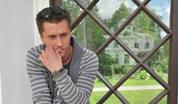 «Весь в долгах»: Прилучный продает их с Муцениеце дом за 180 миллионов рублей