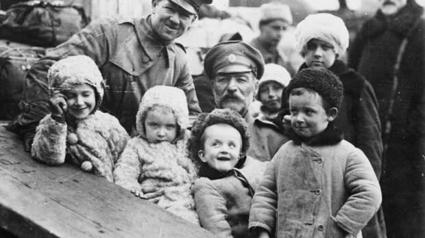 Как миллионы русских бежали из России после революции (ФОТО)