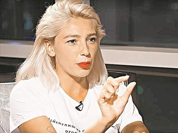 В Сети подшучивают над словами Элджея о возможном разрыве с Настей Ивлеевой