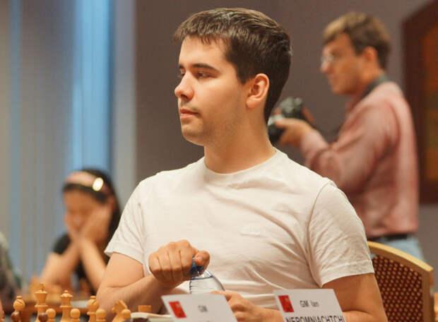 Ян Непомнящий досрочно выиграл турнир претендентов и встретится в матче за шахматную корону с Магнусом Карлсеном