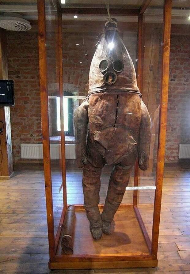 Один из старейших гидрокостюмов мира гидрокостюм, история, ретро, факты. удивительно
