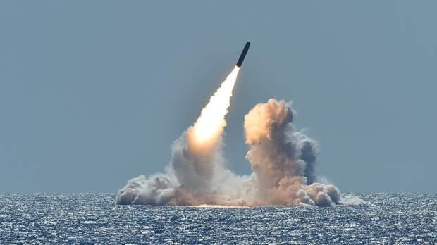 МИД КНР: Вашингтон должен учесть беспокойство других стран из-за ядерного оружия США