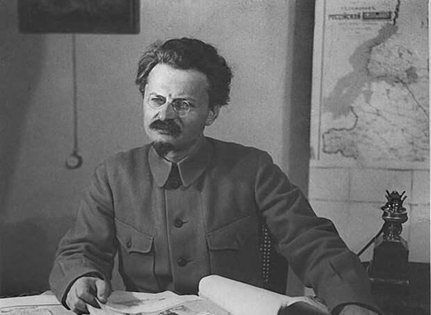«Демон революции»: за что так прозвали Льва Троцкого