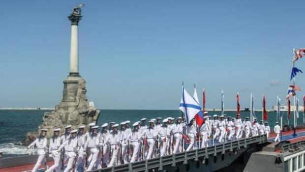 Медведев празднует День ВМФ в Севастополе