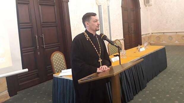ВРостовской епархии неопровергли слова гей-священника, скрывающегося вНидерландах