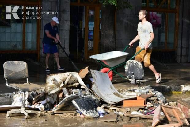 Свыше ста крымчан уже получили денежную компенсацию за ущерб от стихии