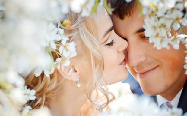 Этот любовный приворот лучше использовать, если у вас еще нет отношений с мужчиной, который вам очень нравится