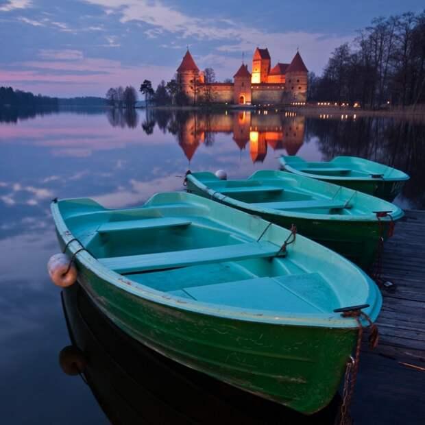 Остров на озере Гальве, Литва
