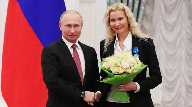 Тутберидзе поздравила Путина с днем рождения: «Спасибо вам огромное за поддержку российского спорта»
