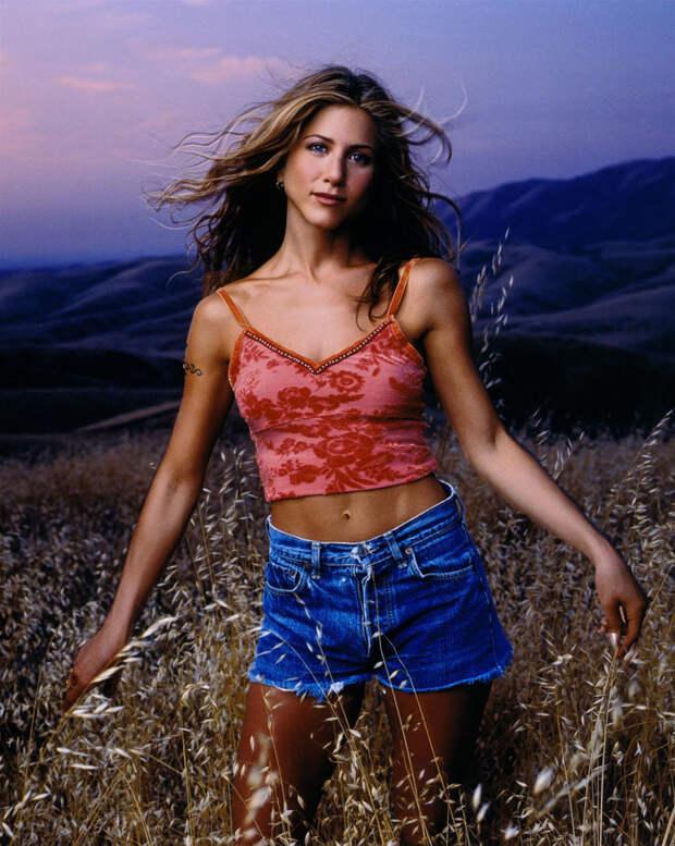 Великолепная Дженнифер Энистон в фотосессии 1998 года.