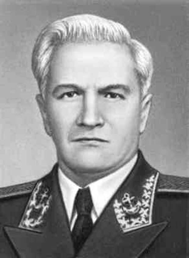 Дважды Герой. Советский лётчик Раков топил немецкие корабли и спасал сослуживцев