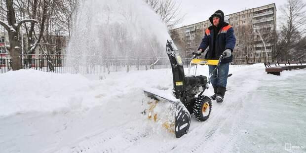 Парковка на улице Твардовского очищена от снега —Жилищник