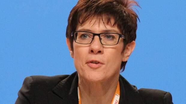 В минобороны Германии призвали НАТО показать России готовность применять оружие