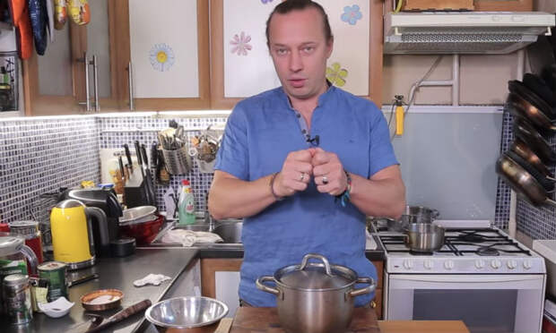Чистка чеснока за секунды: способ повара