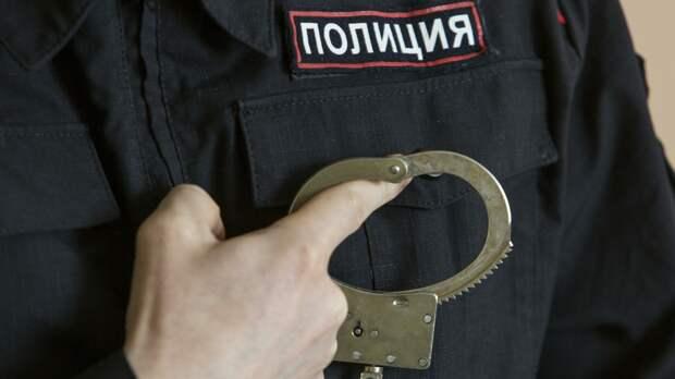 Петербургский следователь задержан за торговлю поддельными удостоверениями