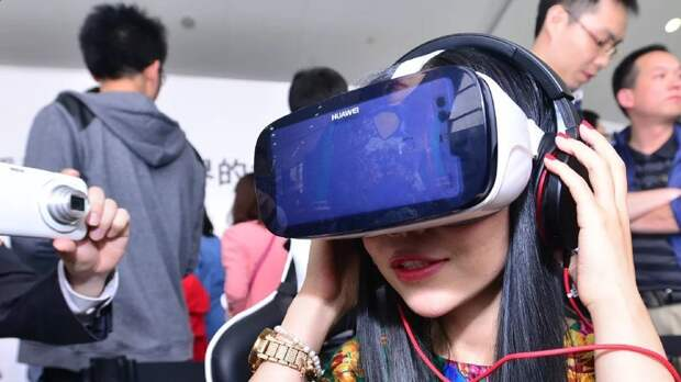 Google и другие компании США приостанавливают бизнес-сотрудничество с Huawei