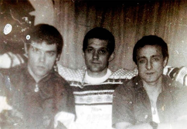 Тулунская тюрьма. В центре вор в законе Сергей Бойцов, 1992 год