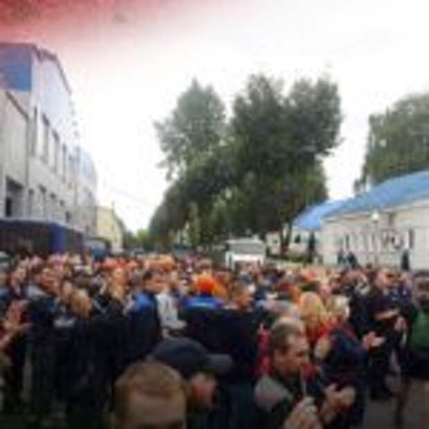 «Уходи, уходи!»: Рабочие на заводах БелАЗа и МАЗа требуют ухода Лукашенко. Видео