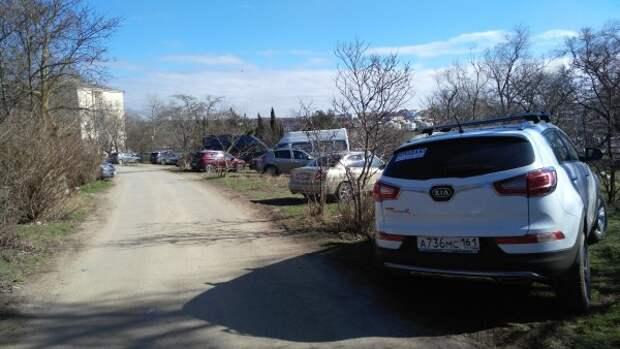 Курс на уничтожение парка возле детского больничного комплекса в Севастополе уже взят. Что ещё уничтожим?