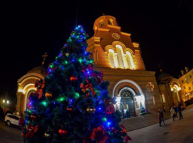 В кубанских храмах праздничные службы пройдут с соблюдением всех мер безопасности
