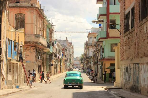 За Кубу вступились в Европарламенте