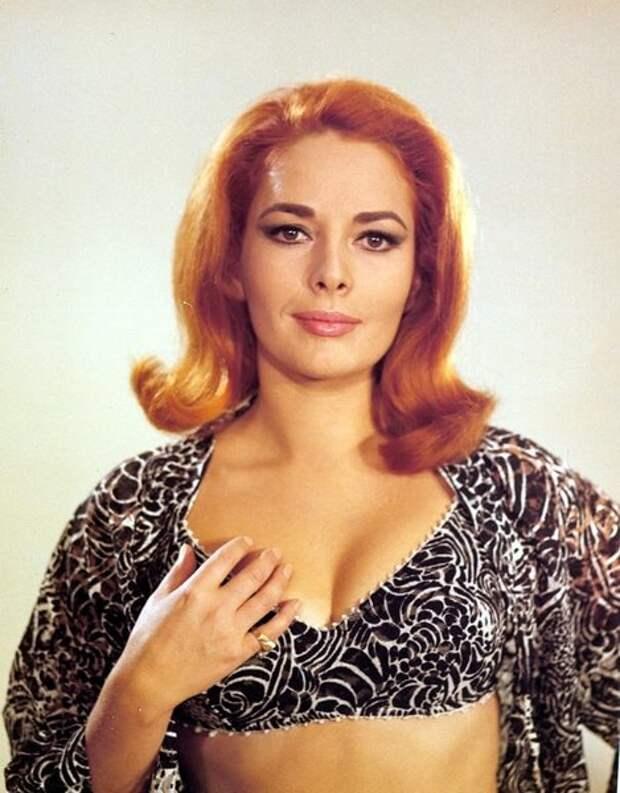 Винтажные фотографии красотки из 1960-х Карин Дор