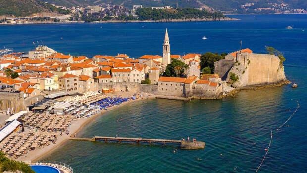 Власти Черногории ужесточили правила въезда для иностранцев