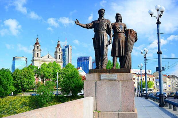 Мэрия Вильнюса снесет четыре советских памятника в городе