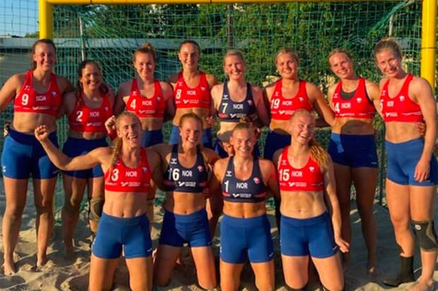 Норвежских гандболисток наказали за отказ играть в бикини