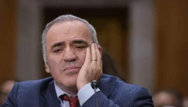 Каспаров требует бойкотировать выборы