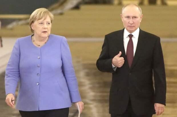 Путин и Меркель перед пресс-конференцией, Москва, 20.08.21.jpg