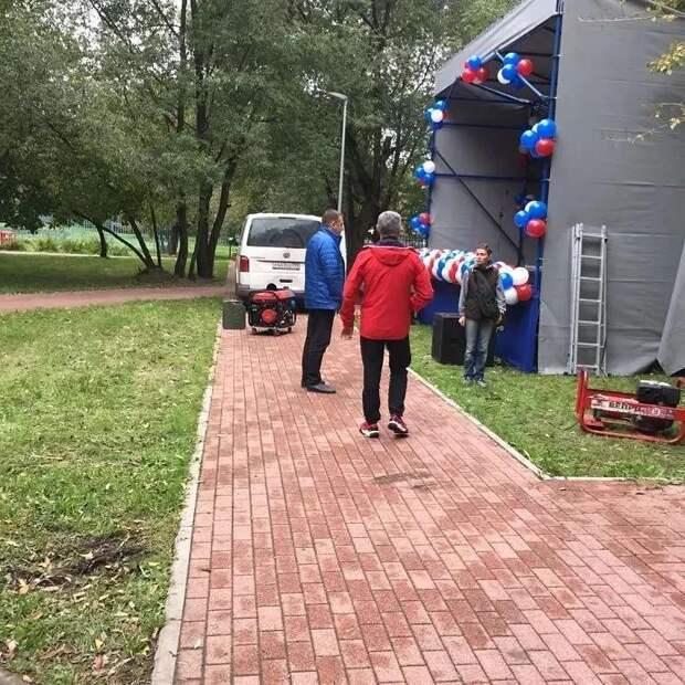 Глава управы проверил праздничные локации в Левобережном