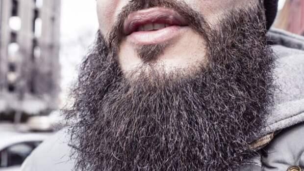 Врач заявила о способности бороды защитить от рака