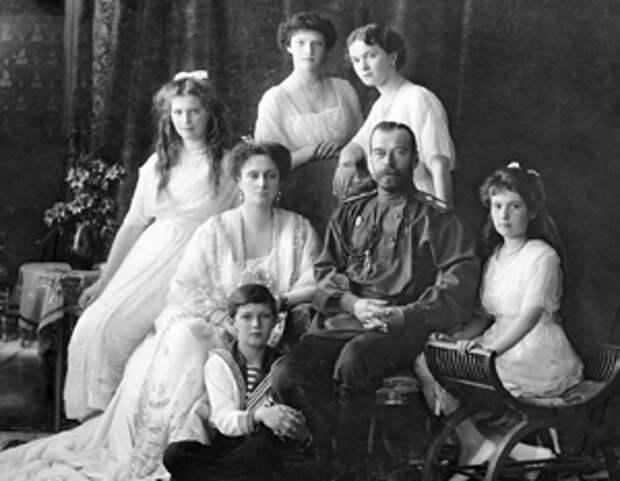 Впервые версия о ритуальном характере убийства царской семьи была высказана в 1918-19 годах