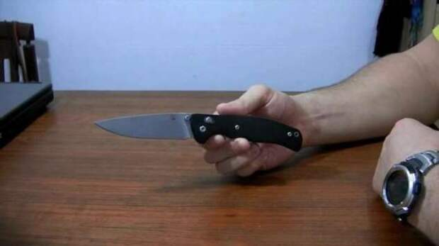 Почему ножи у нас носят скрытно, хотя по закону имеют право носить их на поясе