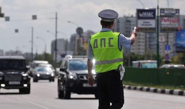 У дорожных камер появится функция распознавания «учителей» за рулем