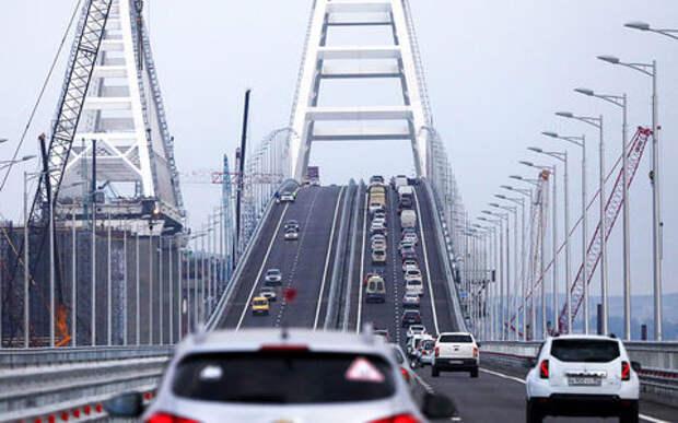 Наткнулись на древний город: запуск грузовых поездов по Крымскому мосту отложен